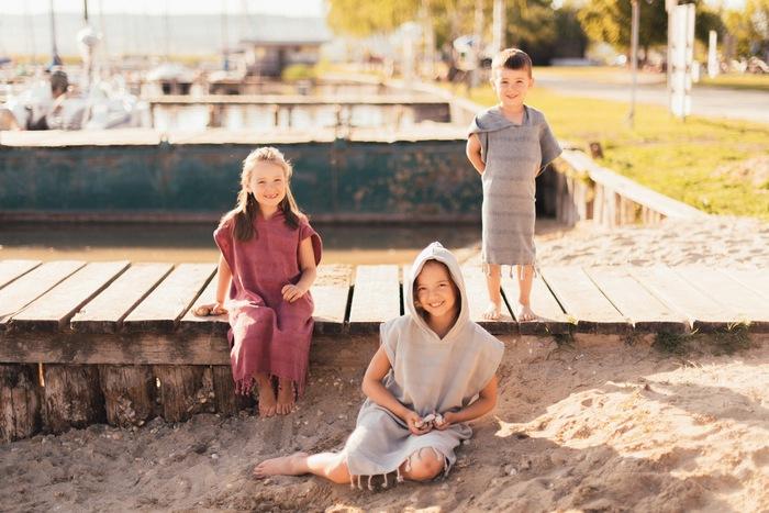Detské pončo kvalitné prírodné tkaniny a materiály